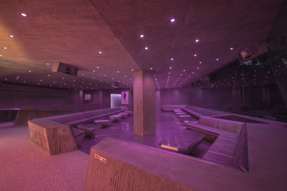 Club James interior