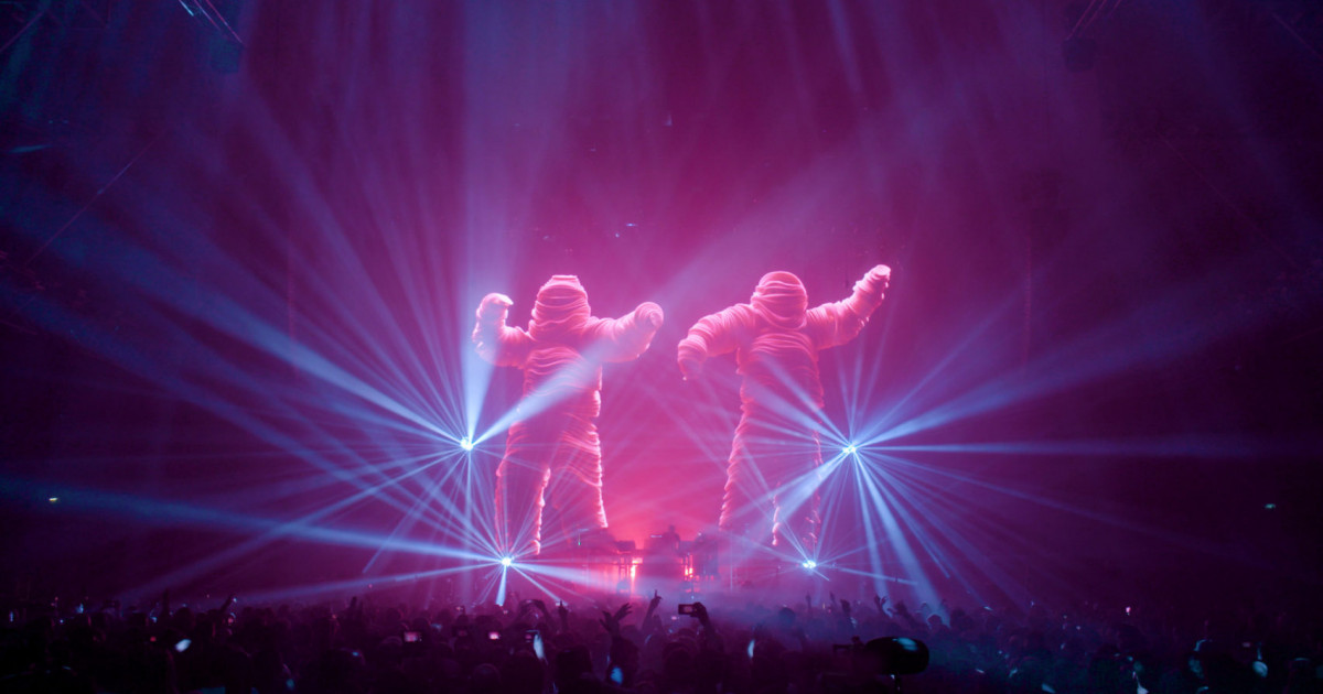 Behind the scenes of a Chemical Brothers live show | Semi Permanent